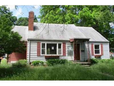 4 Bed 2 Bath Foreclosure Property in Lansing, MI 48910 - Donald St