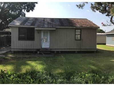 2 Bed 1 Bath Foreclosure Property in Raceland, LA 70394 - Saint Philip St