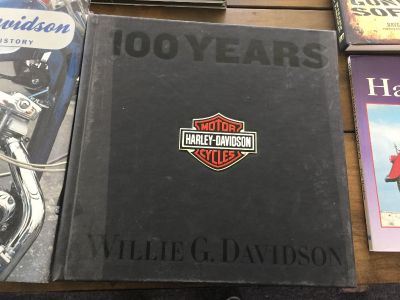 Lot of 5 Harley Davidson collector books