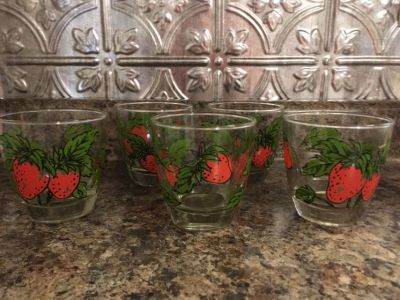 Set of 5 Strawberry Glasses