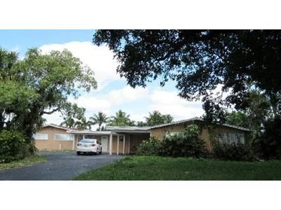 4 Bed 3 Bath Foreclosure Property in West Palm Beach, FL 33406 - W Lake Dr
