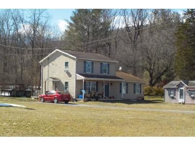 4 Bed 2 Bath Foreclosure Property in Fort Loudon, PA 17224 - Main St