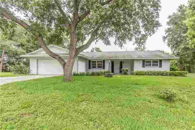 1841 Braxton Bragg Lane CLEARWATER Three BR, A RARE OPPORTUNITY