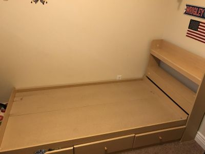 Deluxe Twin bed