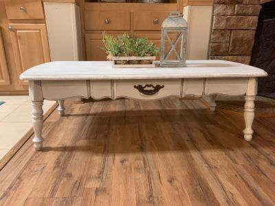Rustic distressed farmhouse style coffee table