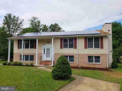 12200 Kingsford CT Bowie, Spacious stately Four BR home for the