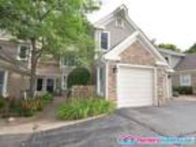 Lovely Two BR/2.5 BA Townhome in Eden Prairie