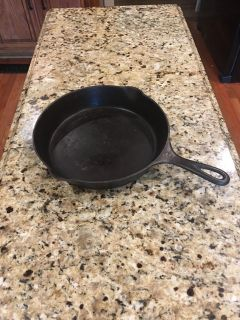 10 inch CAST IRON SKILLET ? Has made many skillet s if corn bread !