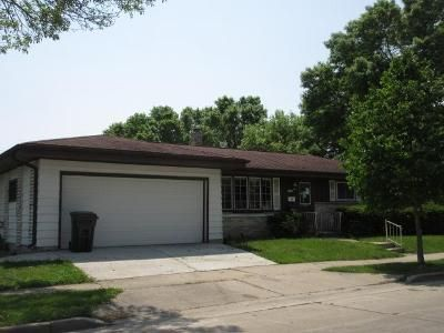 3 Bed 1.5 Bath Foreclosure Property in Milwaukee, WI 53214 - W Washington St