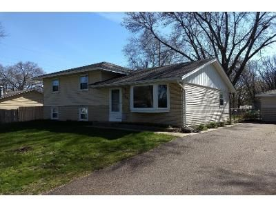 3 Bed 1.0 Bath Preforeclosure Property in Minneapolis, MN 55448 - Dogwood St NW