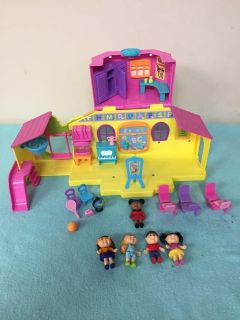 Cabbage Patch Lil Sprouts Cabbage Academy Playset