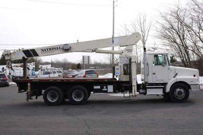 8606 - 1998 Volvo Wg64; National Crane 600c; 17 Ton Boom Truck