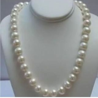 Genuine Akoya 9-10 MM AAA grade with 14 carat gold clasp 18inches