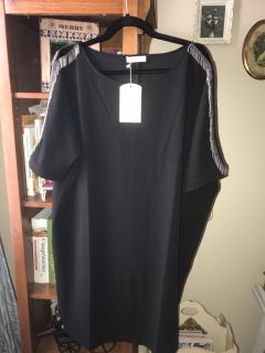 NWT. Size large. Pls see all pics. Has loops on sides for a belt. Did not come with one. Gorgeous , just have no place to where this too