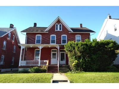 4 Bed 1.5 Bath Foreclosure Property in Parkesburg, PA 19365 - W 2nd Ave