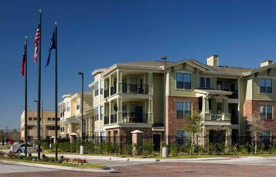 - $2550  1br -  Beautifully Furnished, All Bills Paid, Super Convenient Location