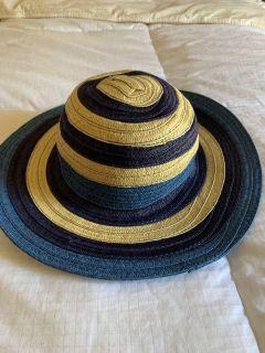 Gymboree sun hat, size small