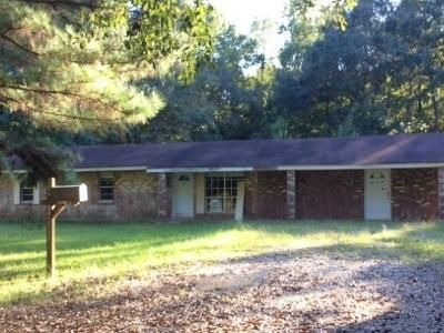 3 Bed 2 Bath Foreclosure Property in Fayette, MS 39069 - Rose Bush Ln