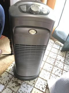 Air Purifier Works May need new filter.