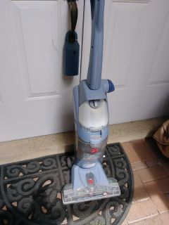 Hoover Floor Mate vacuum, cleans and sanitizes
