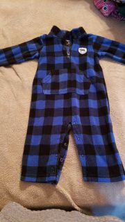 Carter's size 12 month fleece outfit.