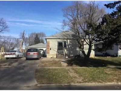 2 Bed 1 Bath Foreclosure Property in Marshalltown, IA 50158 - Woodbury St