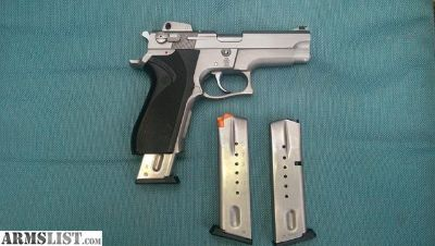 For Sale: Smith Wesson Model 5906