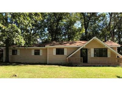 1 Bed Preforeclosure Property in Saint Clair, MO 63077 - Louise Dr