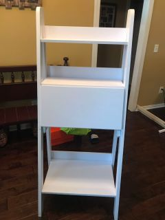 White Ladder Shelf/Desk