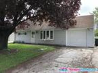 Lawn Lovers Rejoice - Four BR Greenfield SFH