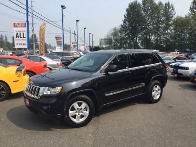 2011 Jeep Grand Cherokee Laredo (Brilliant Black Crystal Pearl)