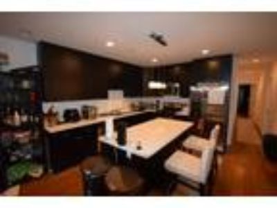 Roommate wanted to share 5+ Bedroom Three BA Other...