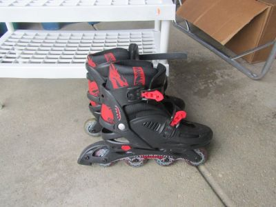 Roller blades - adjustable size 5 to size 8