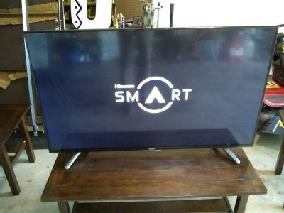 HoSense LED Smart TV