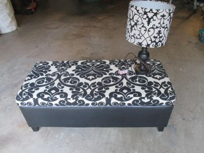 SWEET HOPE CHEST WITH MATCHING TABLE LAMP