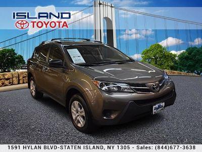 2015 Toyota RAV4 LE (Pyrite Mica)