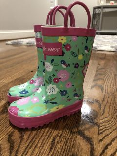 Oakiwear girls rainboots. Excellent used condition