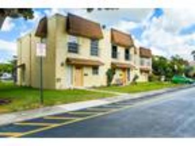 Condos & Townhouses for Sale by owner in Plantation, FL
