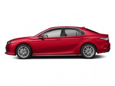 2018 Toyota Camry Hybrid XLE (Ruby Flare Pearl)