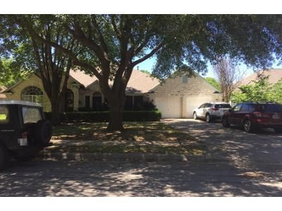 4 Bed 3 Bath Preforeclosure Property in Pflugerville, TX 78660 - Sotogrande Dr