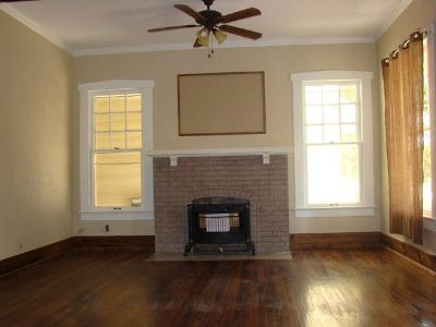 $1,100, 3br, Unbelievable Impeccably Renovated Historic Apartment