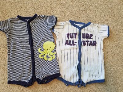 9 month Carters bubbles rompers lot of 2