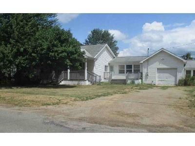 4 Bed 2 Bath Foreclosure Property in Napoleon, MI 49261 - East Ave