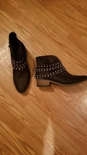 Women's boots. Size 9.5