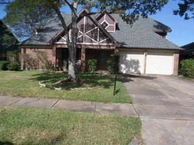 4 Bed 2.5 Bath Foreclosure Property in Pearland, TX 77584 - Bentley Dr