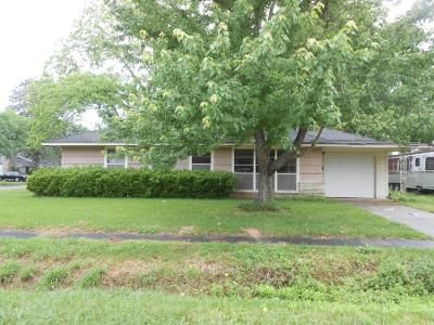 3 Bed 1.5 Bath Foreclosure Property in West Columbia, TX 77486 - S Mattson St