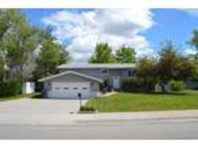 Located in the highly desirable Fox Farm area, Neighbors are great!