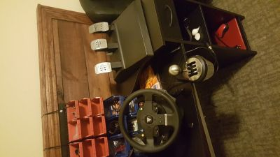 TMX pro sim racing steering wheel with 3 foot pedals and th8a shifter