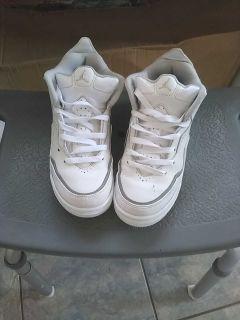 Sz 5 Jordan Tennis shoes