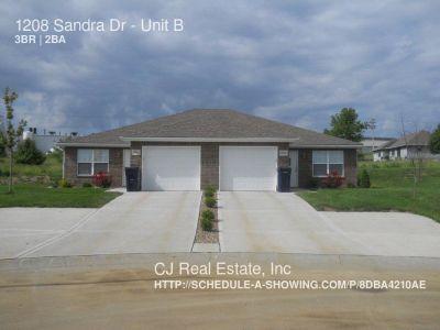 Apartment Rental - 1208 Sandra Dr